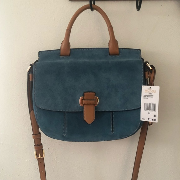 Michael Kors Handbags - New with tags!!!! Michael Kors Romy large messengr